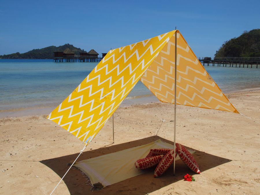 SOMBRILLA MOANA BEACH SHADE- CHEVRON YELLOW & Beach Shades Sombrilla Sun Protection - Hollie u0026 Harrie